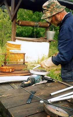 Снятие фасок на резьбовых шпильках