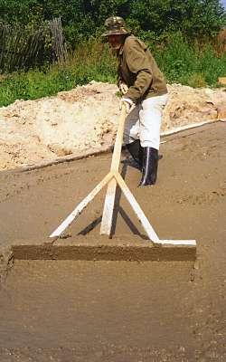 Распределение бетонной смеси