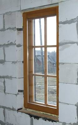Вид окна изнутри